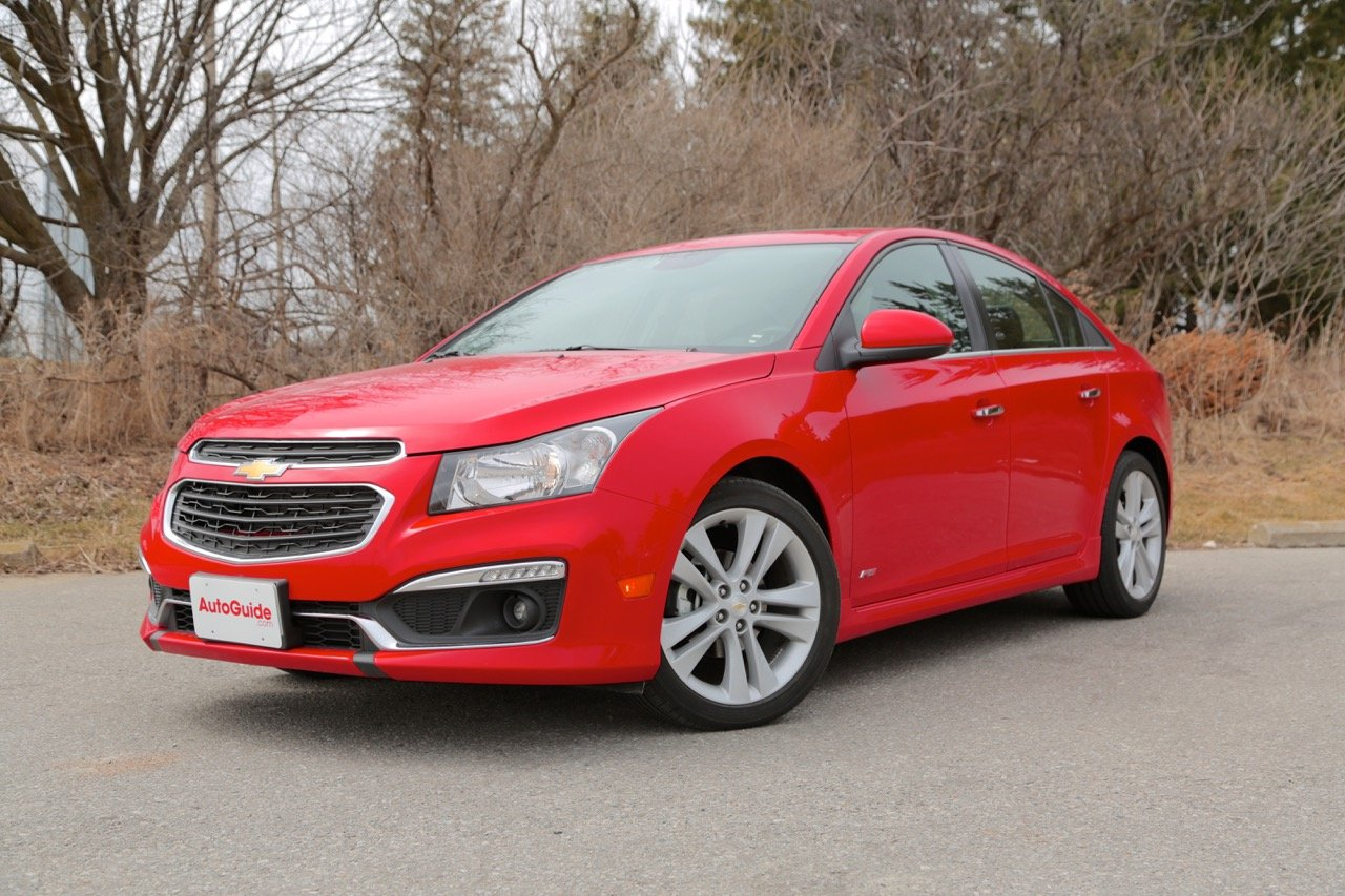 2015 chevrolet cruze vs 2015 subaru impreza news. Black Bedroom Furniture Sets. Home Design Ideas