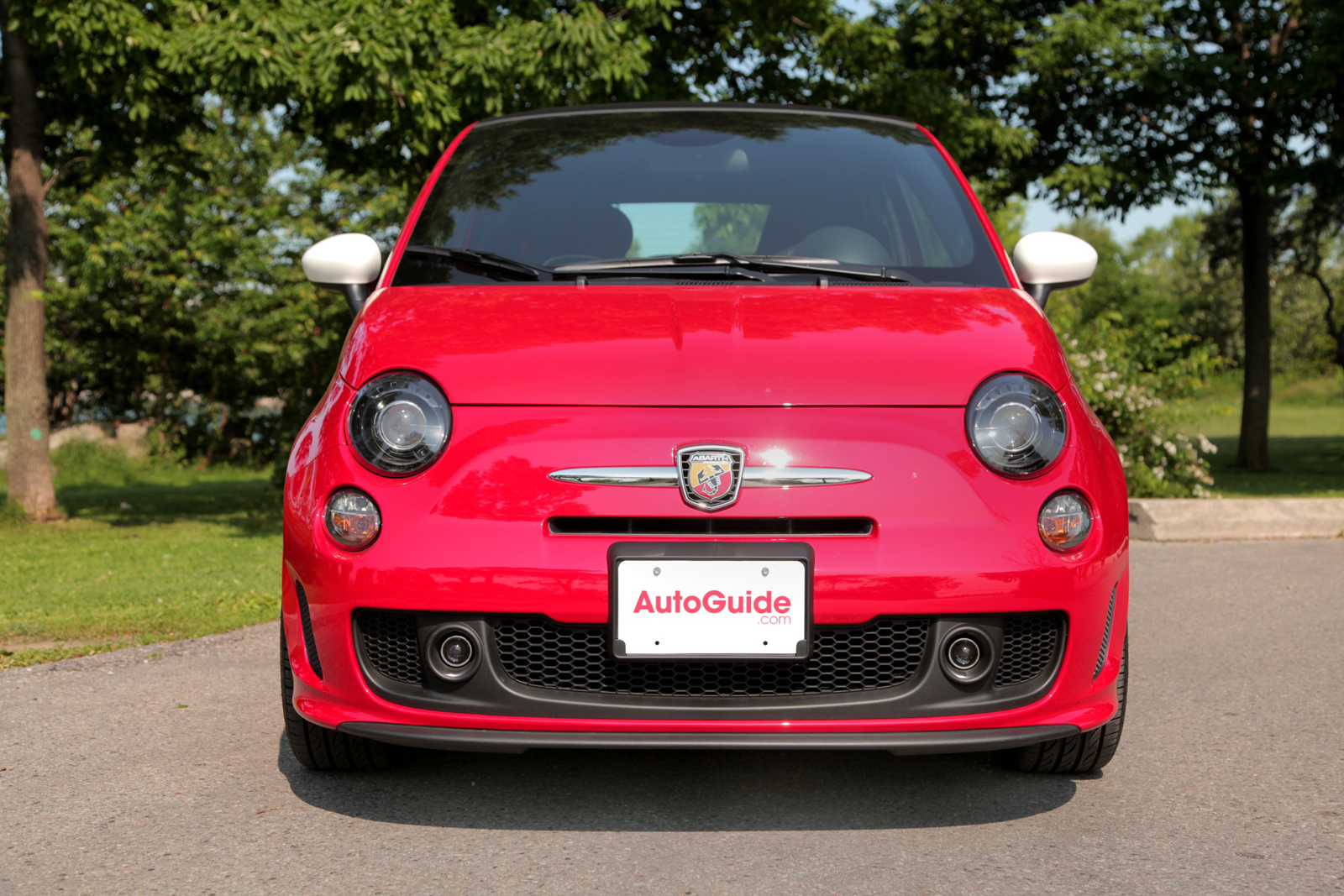 Thats one of the reasons why the abarth 500c is offered with a choice of two colors for the electrically operated