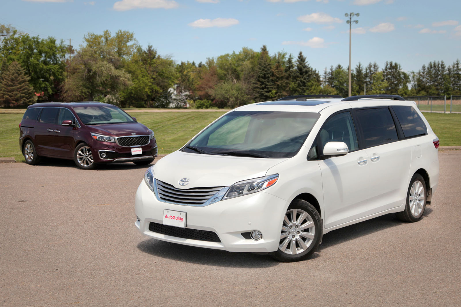 2015 kia sedona vs 2015 toyota sienna news. Black Bedroom Furniture Sets. Home Design Ideas