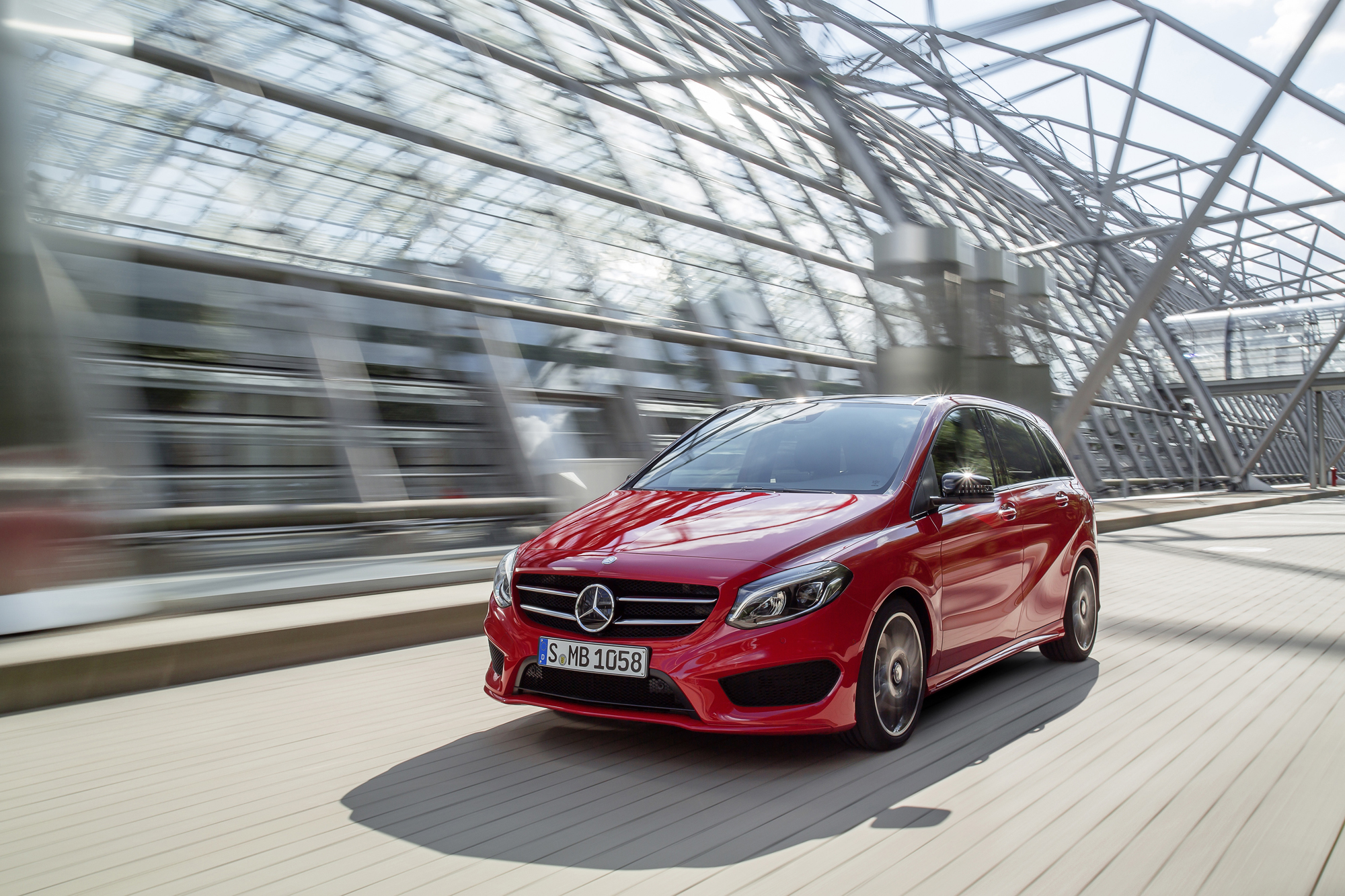 2015 mercedes benz b250 4matic review news for Mercedes benz b class review