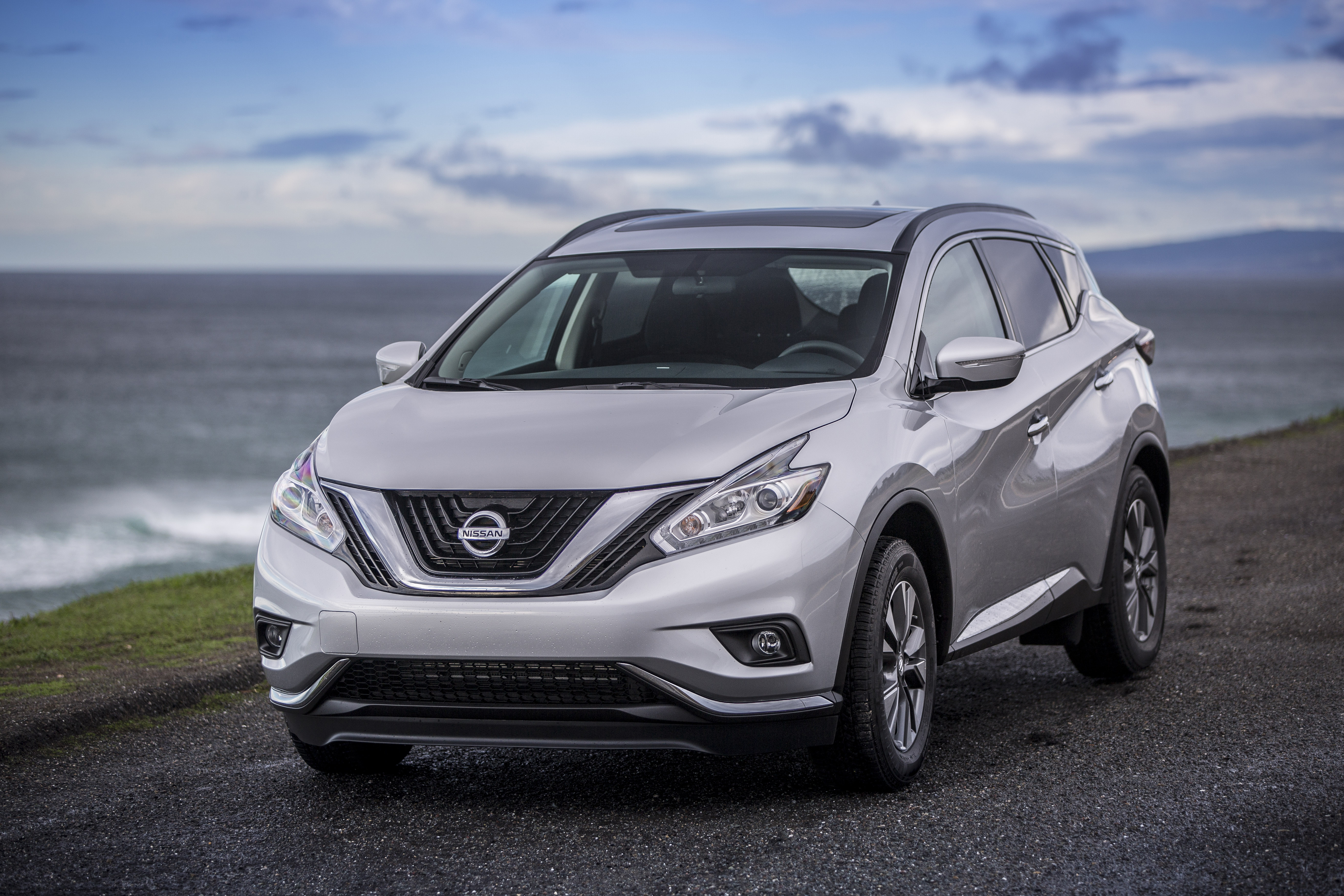 Nissan Murano Hybrid Debuts in China AutoGuide News