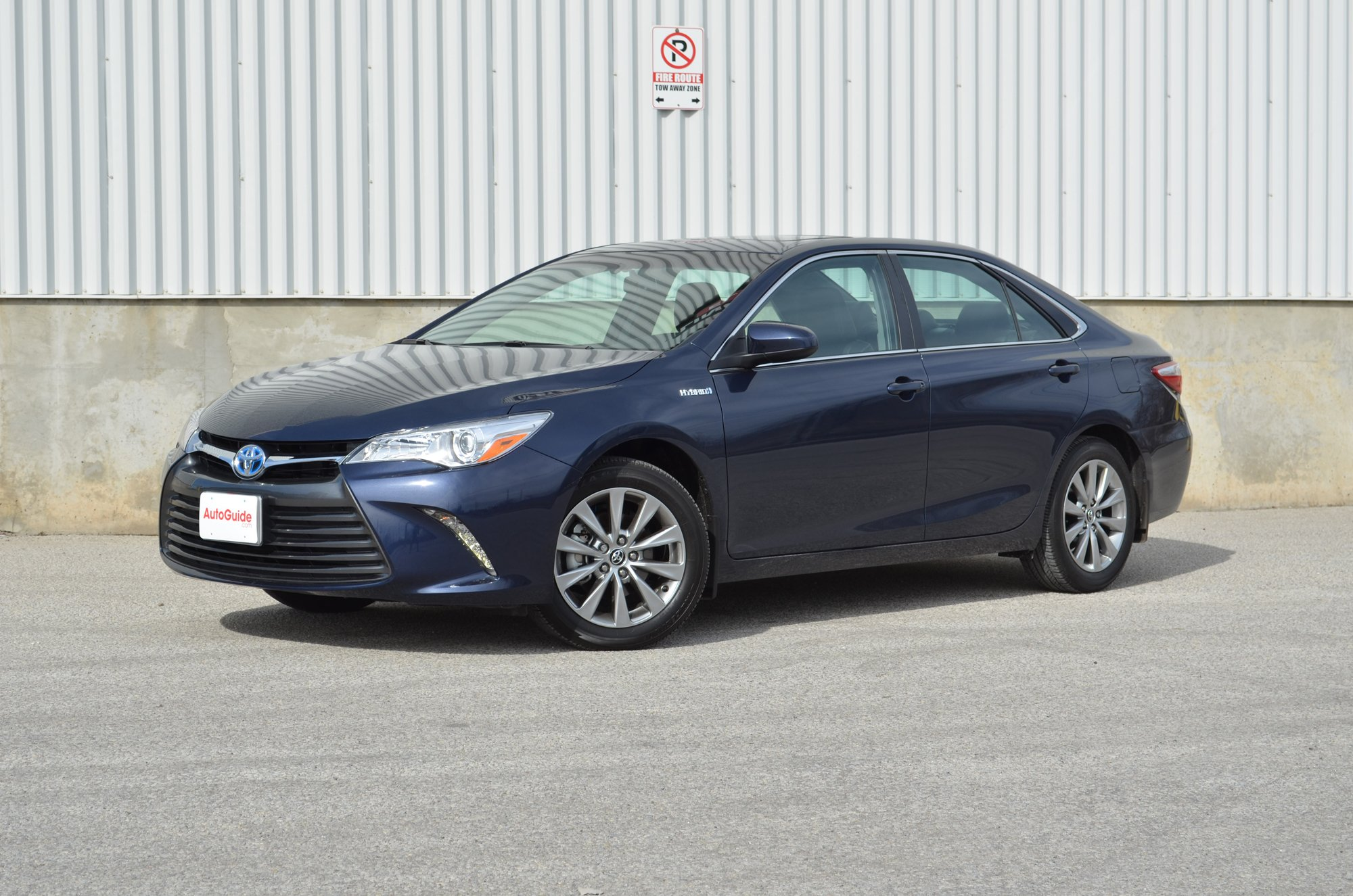 2015 toyota camry hybrid review news. Black Bedroom Furniture Sets. Home Design Ideas