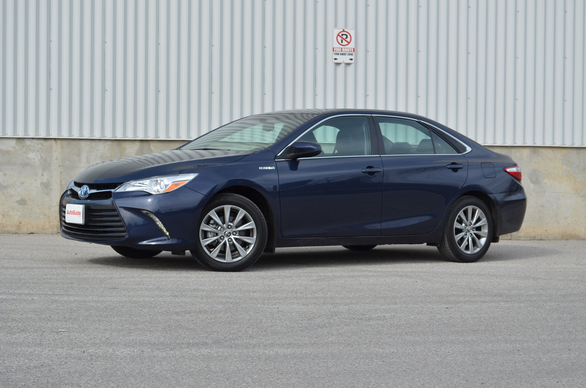 2015 toyota camry hybrid review specs price release date redesign. Black Bedroom Furniture Sets. Home Design Ideas
