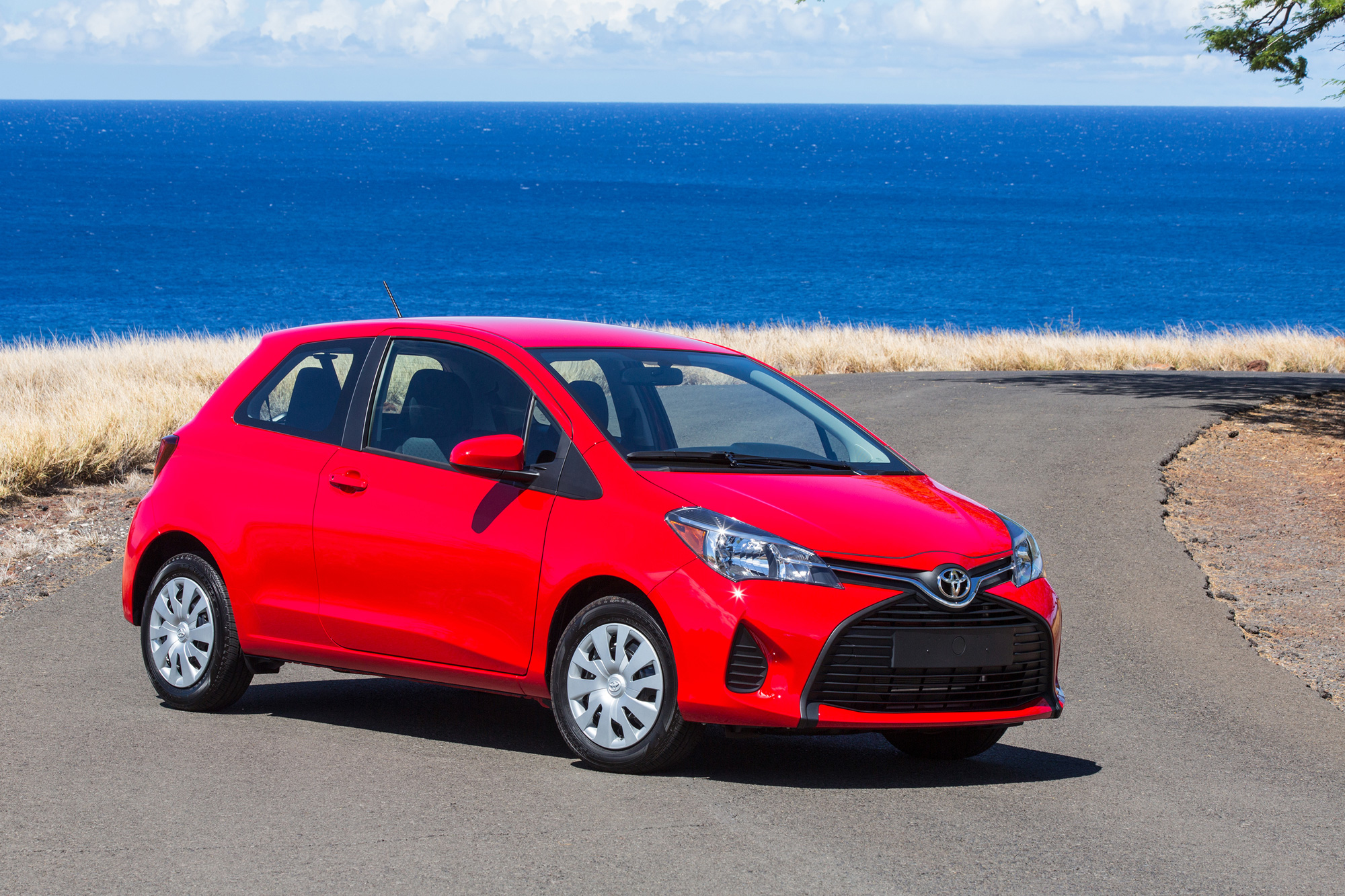 2015 toyota yaris tacoma recall announced news. Black Bedroom Furniture Sets. Home Design Ideas