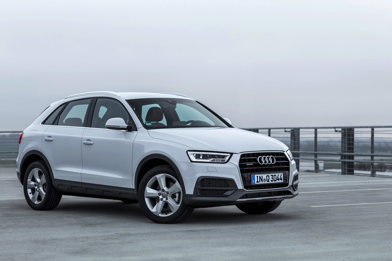 2016 audi q3 earns iihs top safety pick rating. Black Bedroom Furniture Sets. Home Design Ideas