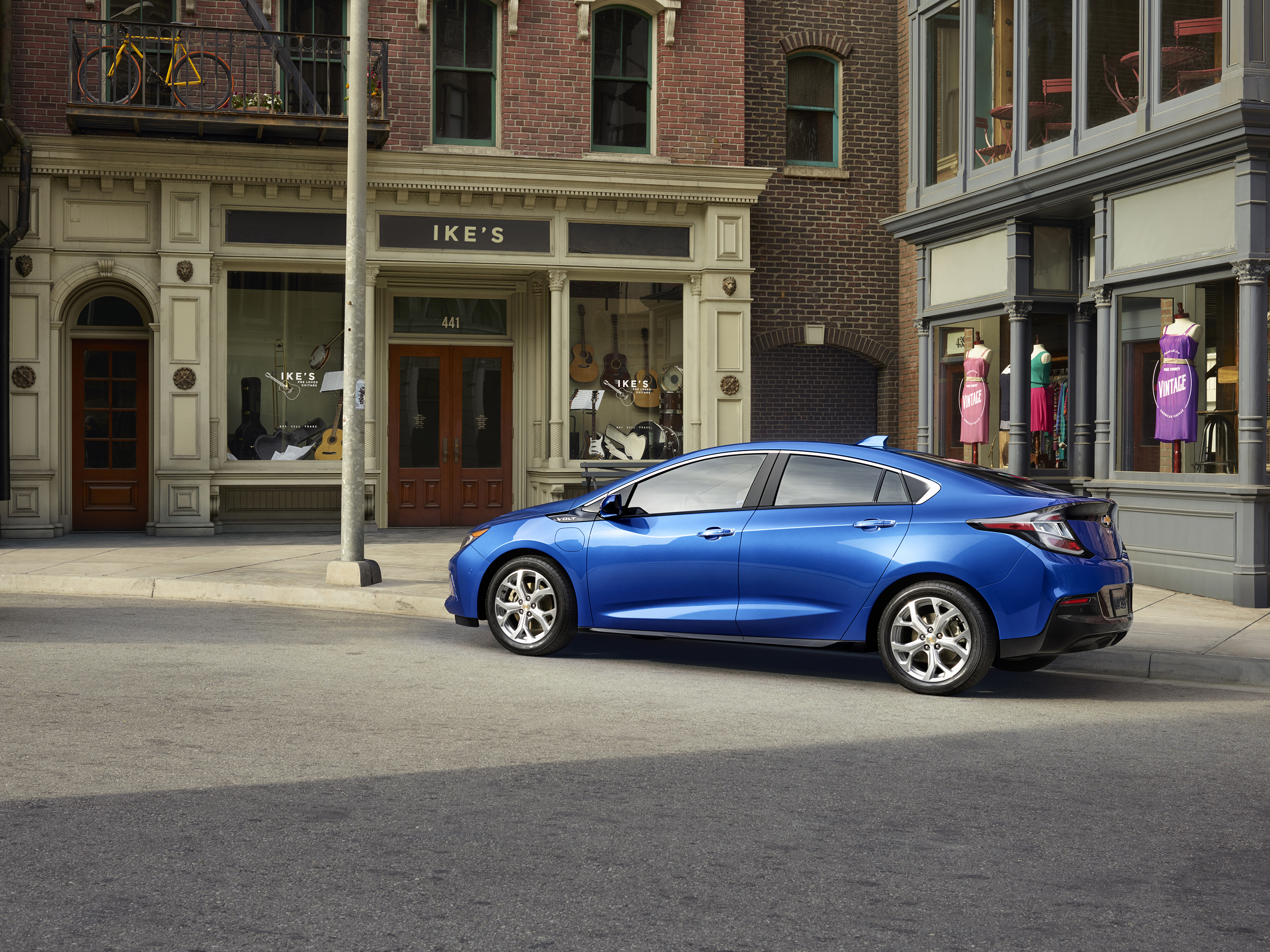 Someone Already Drove the 2016 Chevy Volt Here s What They Thought