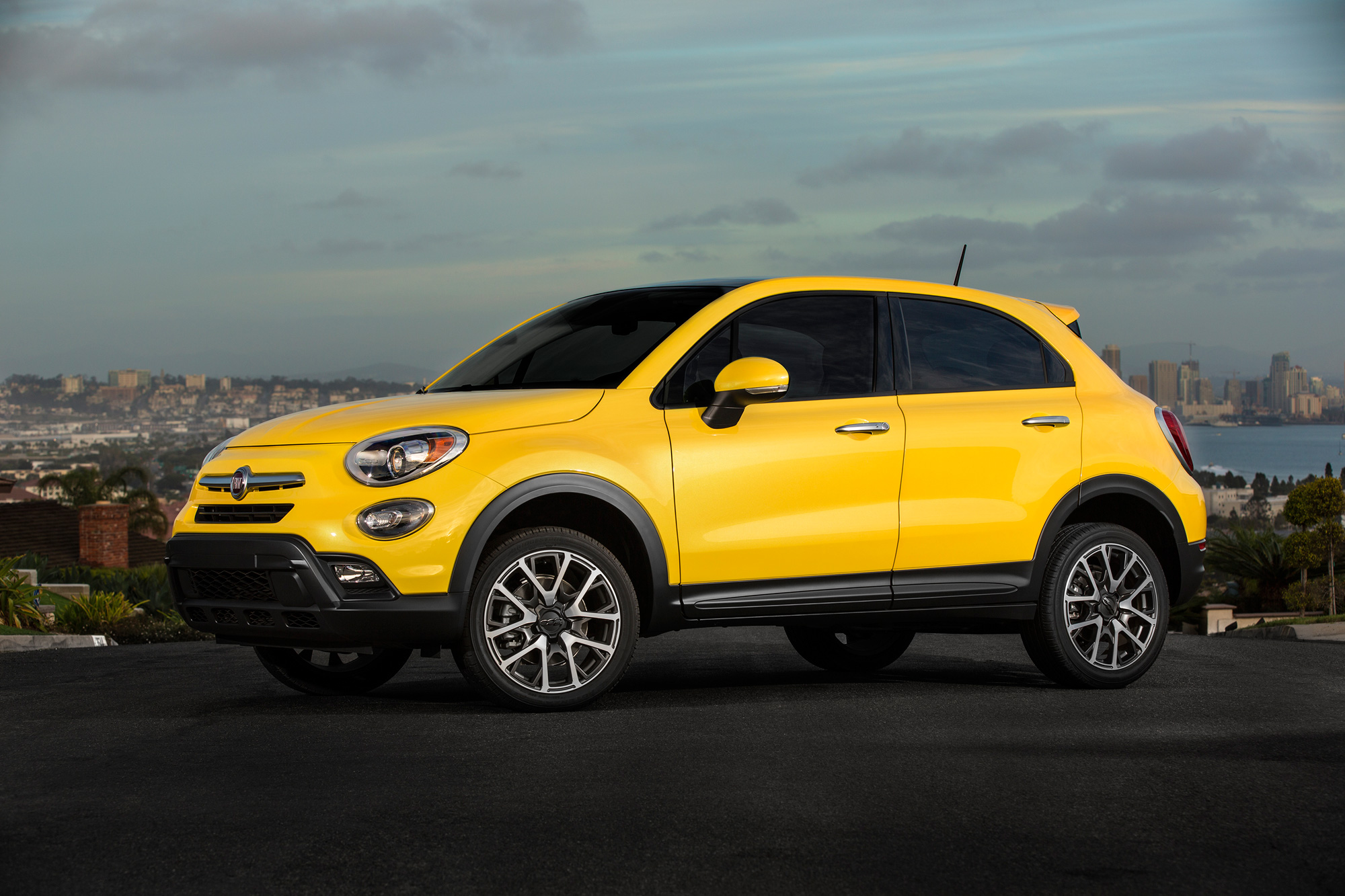 larger fiat 500x jeep renegade planned news. Black Bedroom Furniture Sets. Home Design Ideas