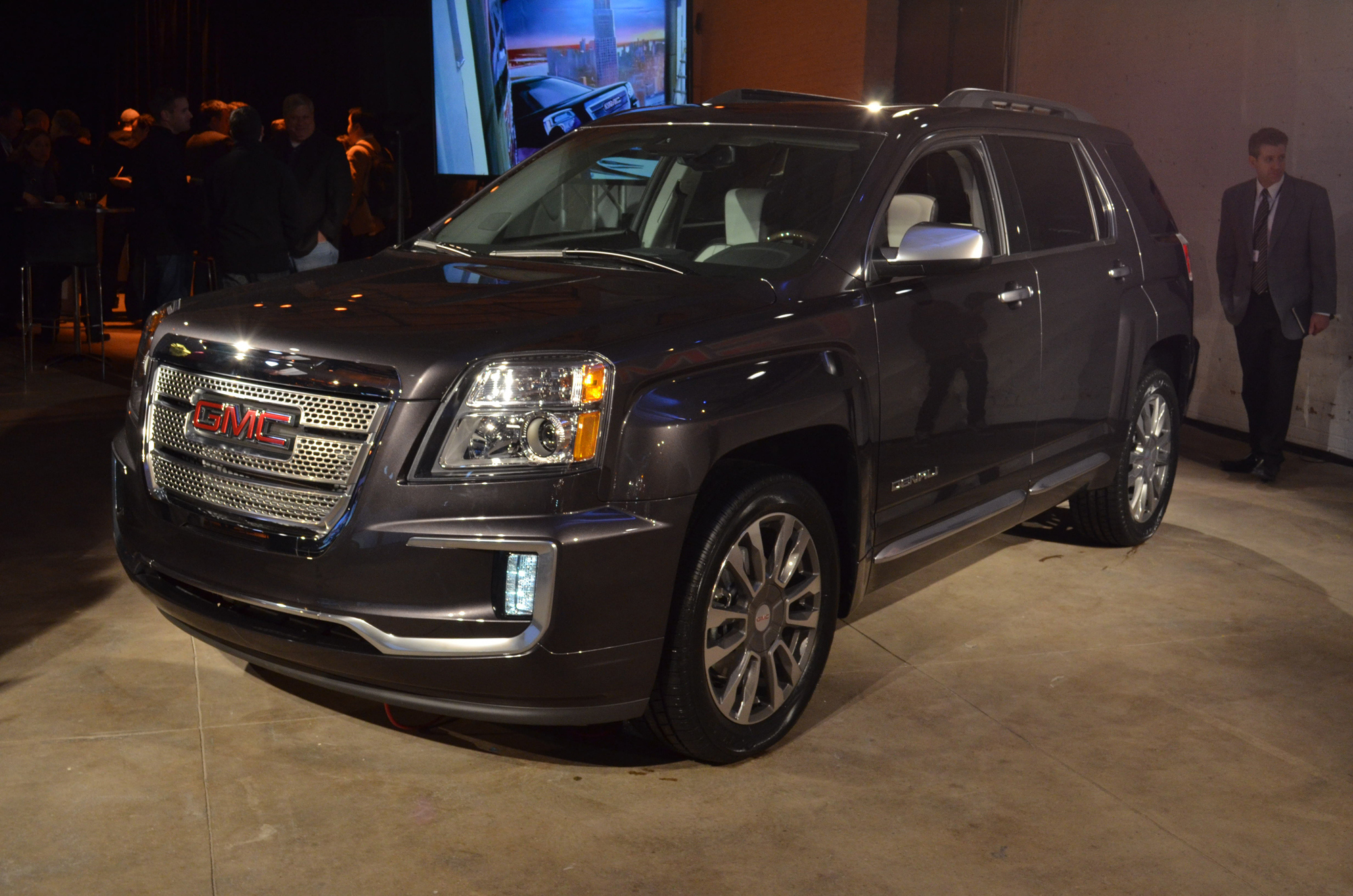 2016 gmc terrain revealed with mild refresh news. Black Bedroom Furniture Sets. Home Design Ideas