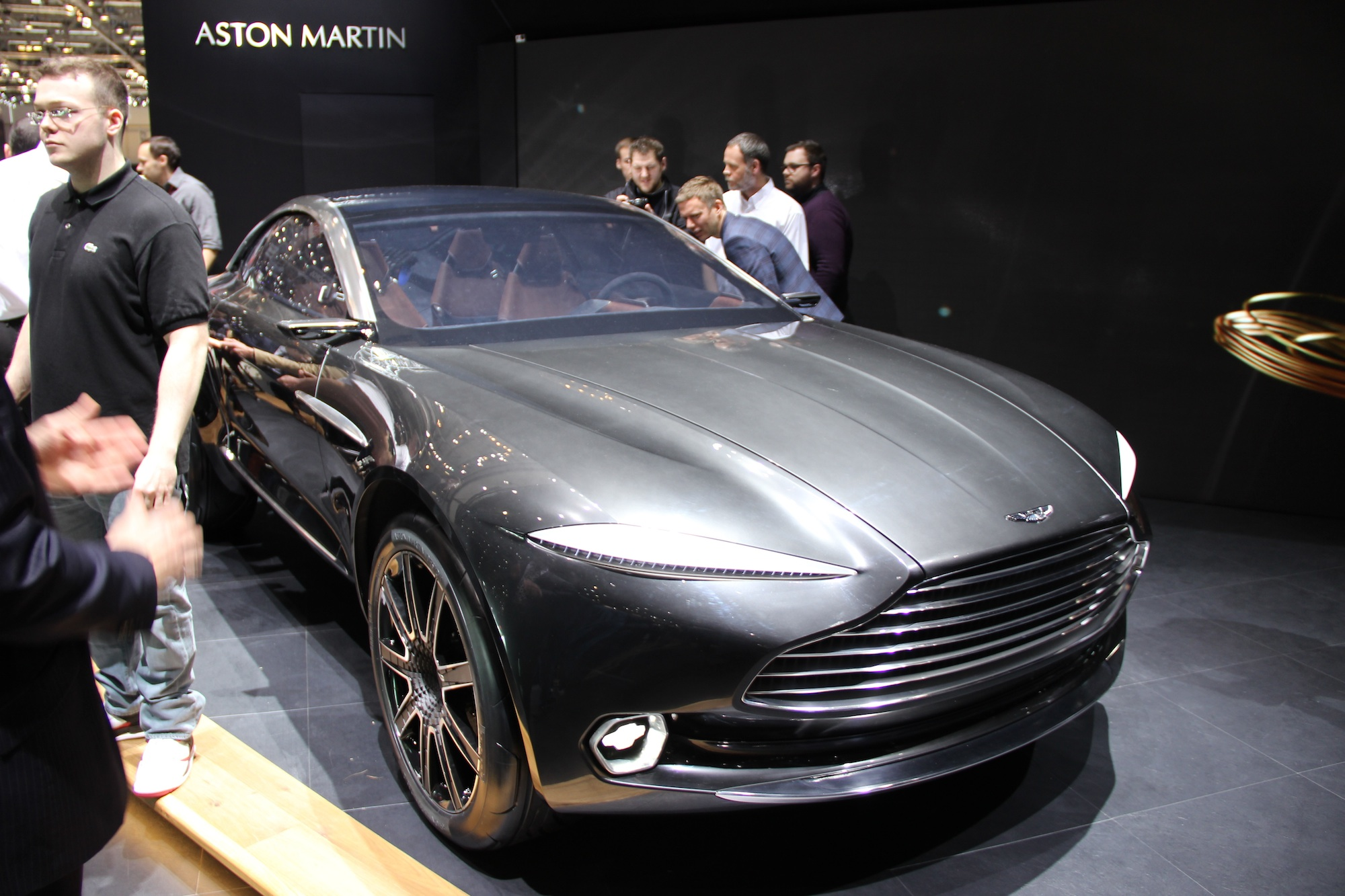 aston martin dbx concept previews an all electric suv news. Black Bedroom Furniture Sets. Home Design Ideas