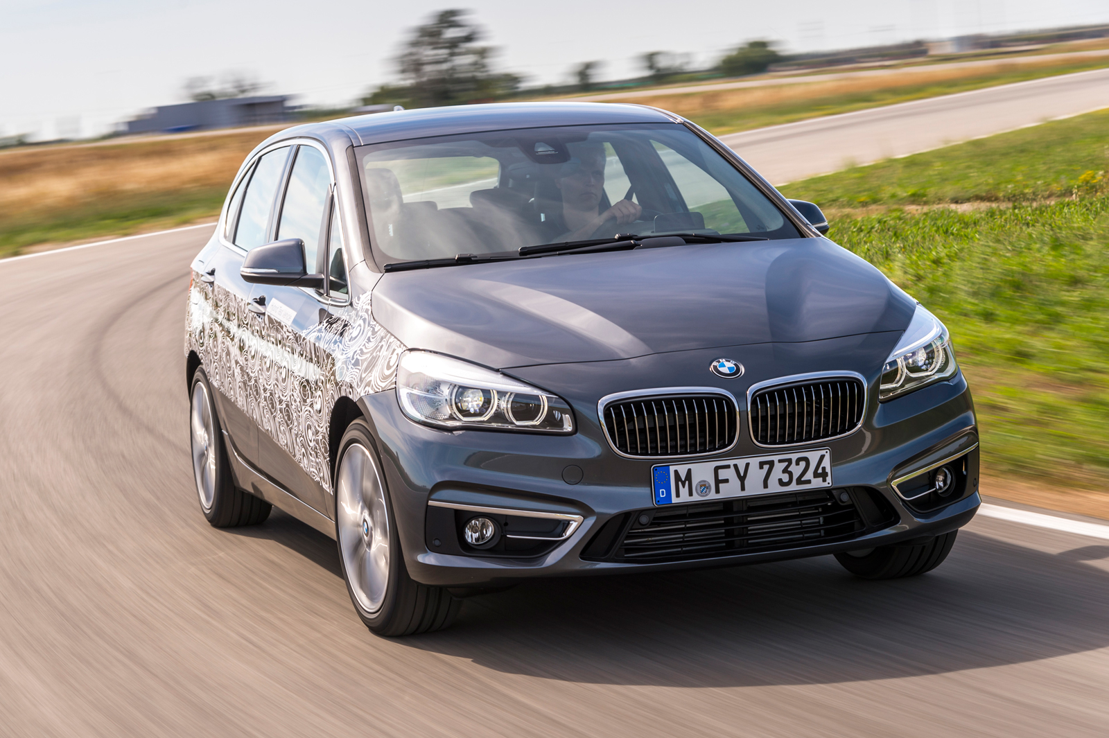 bmw 2 series active tourer tests plug in hybrid technology. Black Bedroom Furniture Sets. Home Design Ideas