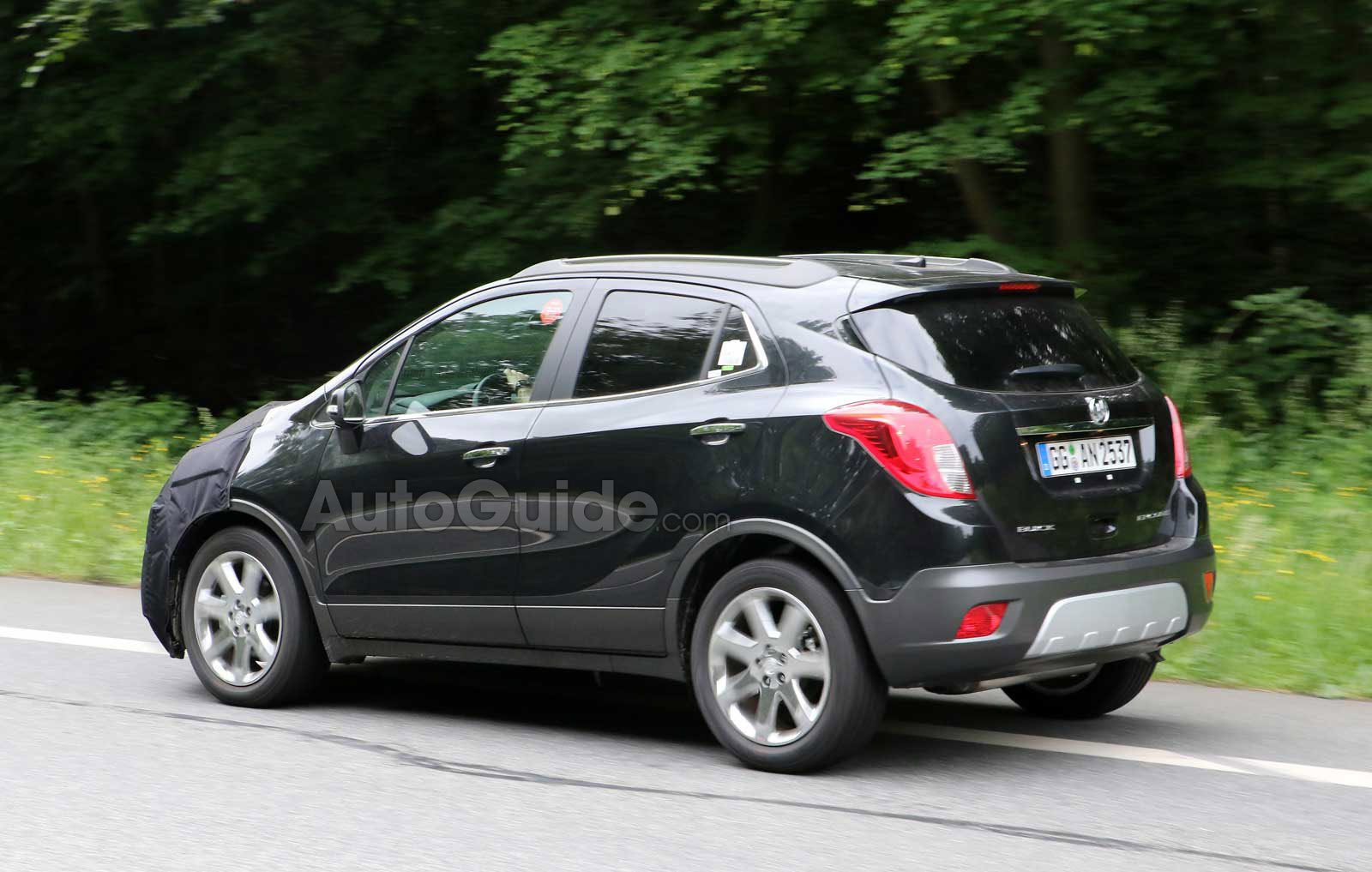 2016 buick encore spy photos snapped chevy trax forum. Black Bedroom Furniture Sets. Home Design Ideas