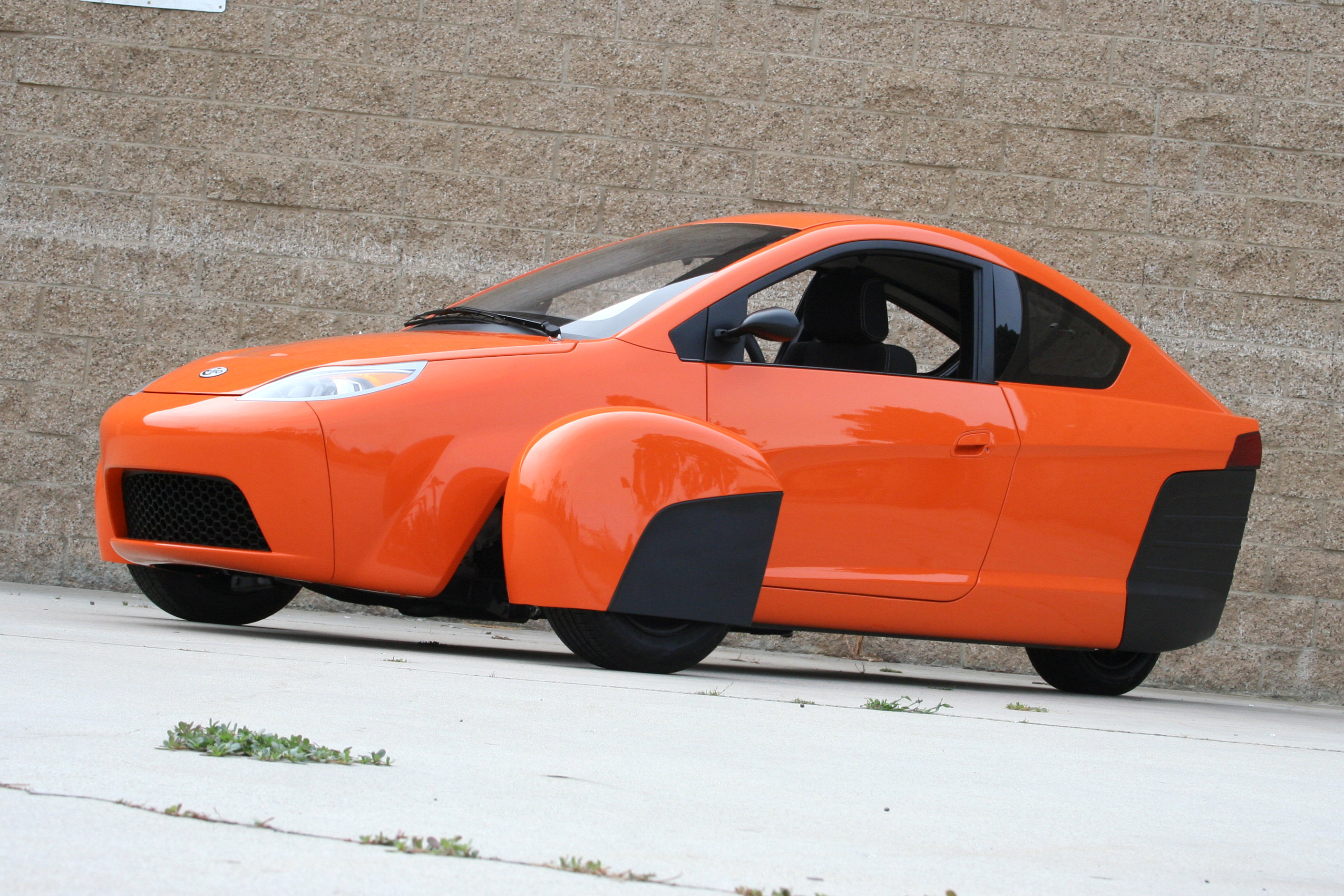 In Depth Review and Test Drive of The Elio ... - YouTube