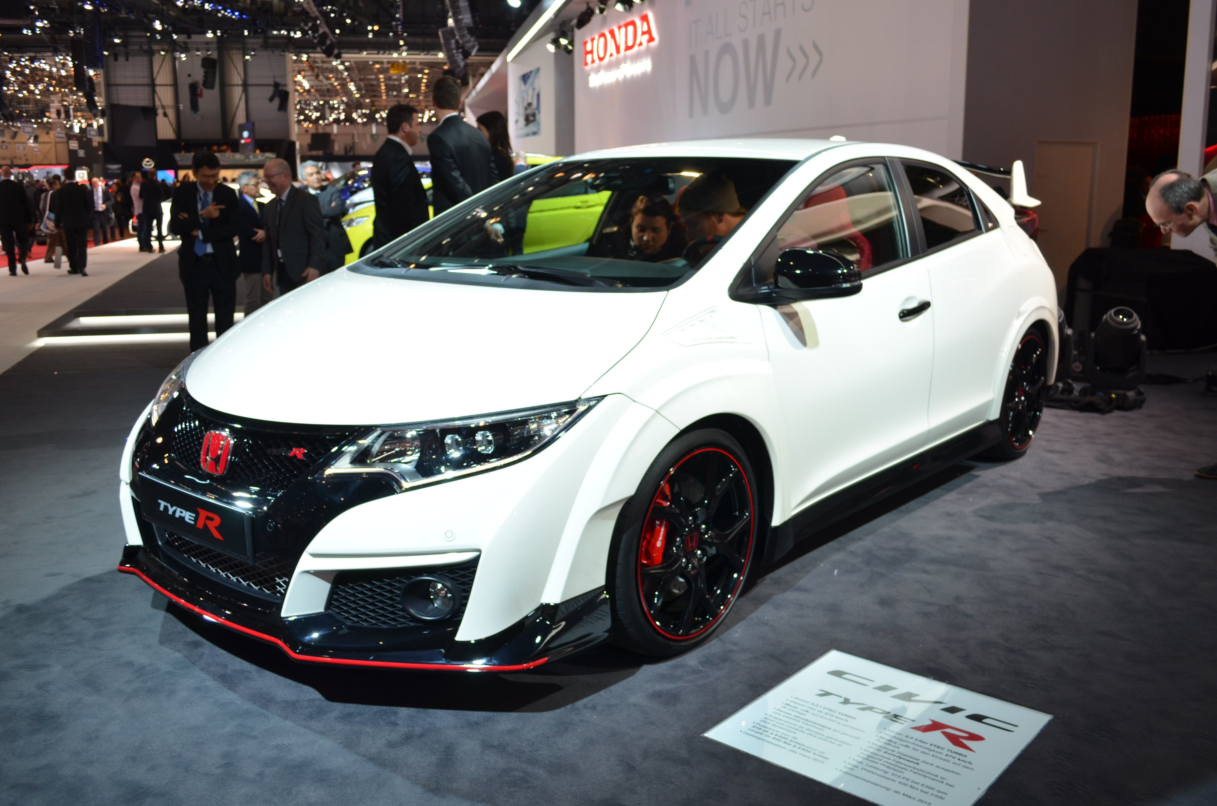 2016 honda civic type r video first look news. Black Bedroom Furniture Sets. Home Design Ideas
