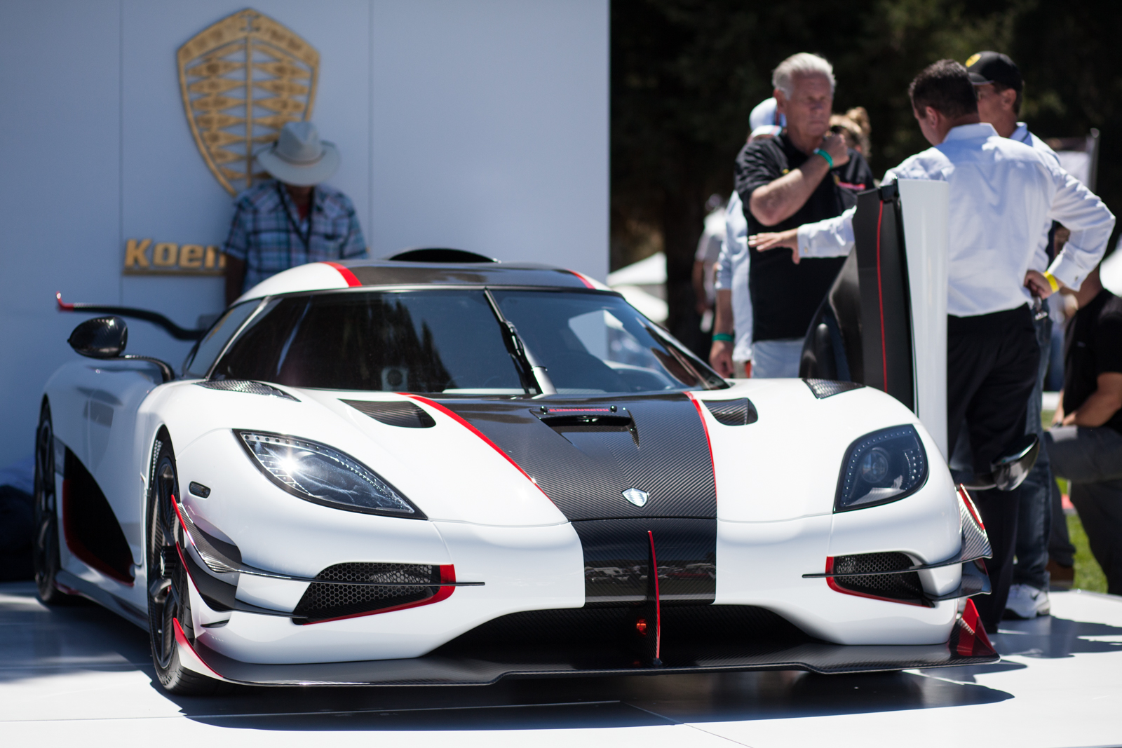 final koenigsegg one 1 on display at pebble beach. Black Bedroom Furniture Sets. Home Design Ideas