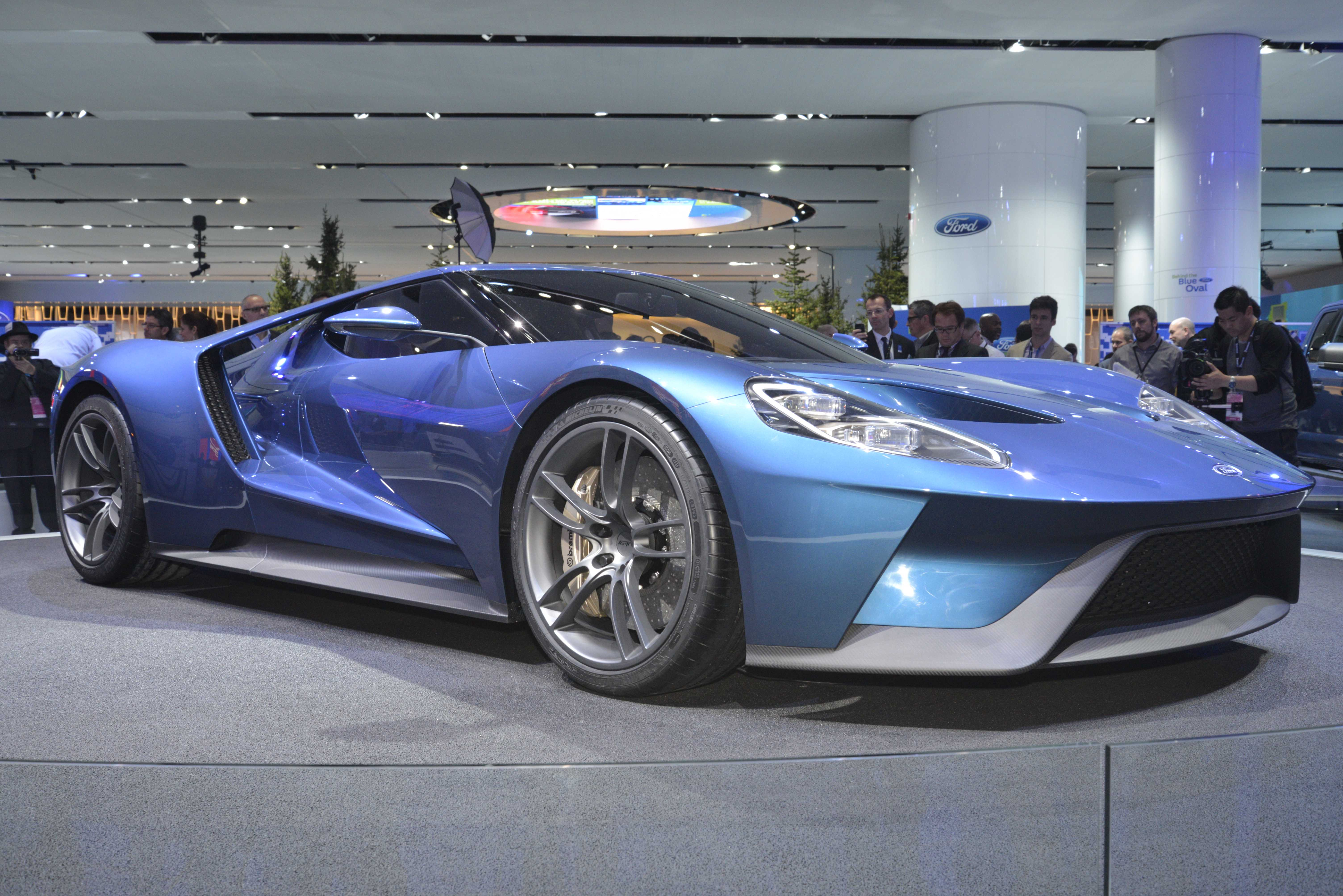Ford Enters Joint Venture To Develop LowCost Carbon Fiber - Low cost sports cars