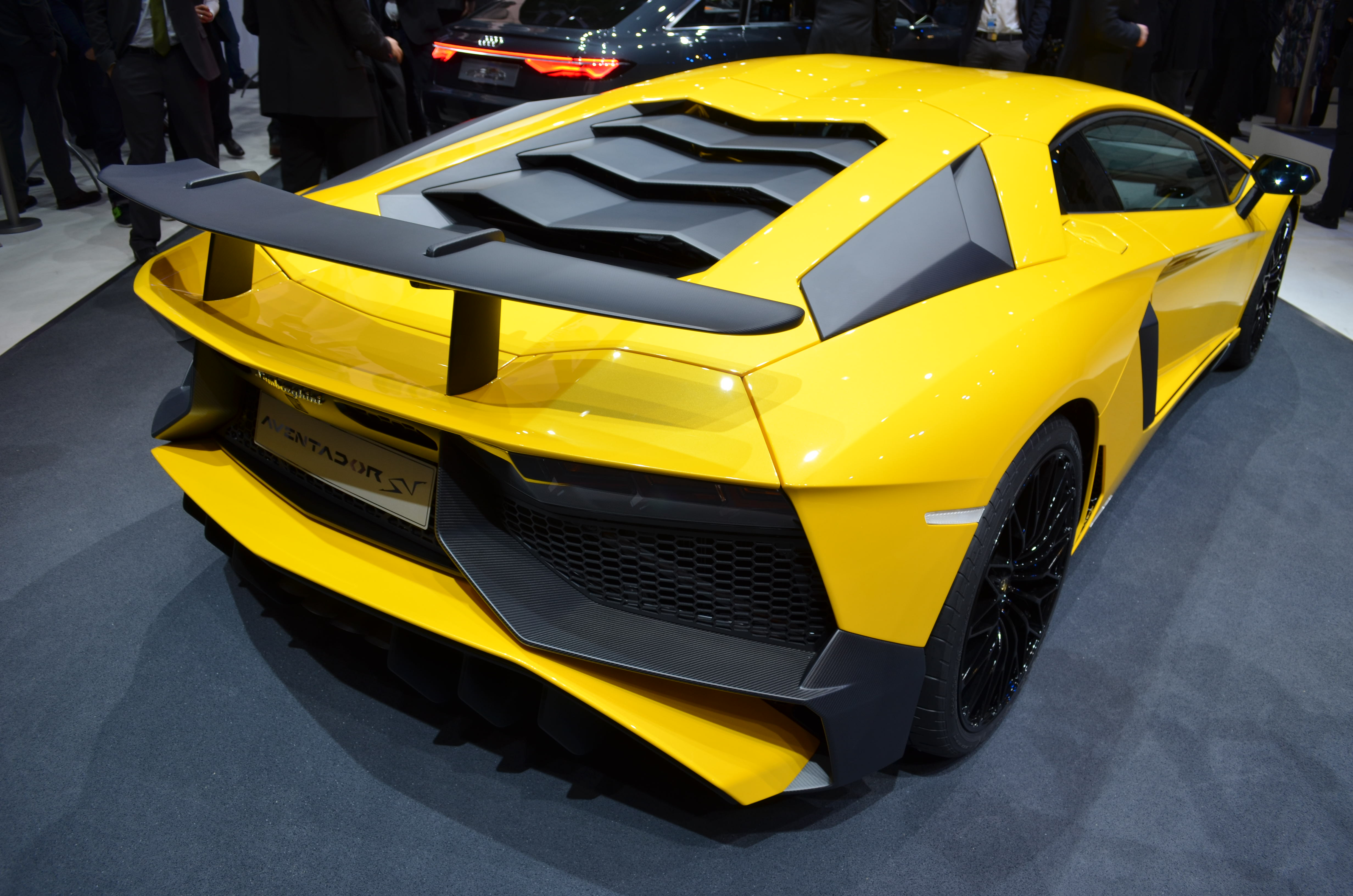 Lamborghini Aventador Sv Gets Tougher Tighter And Lighter