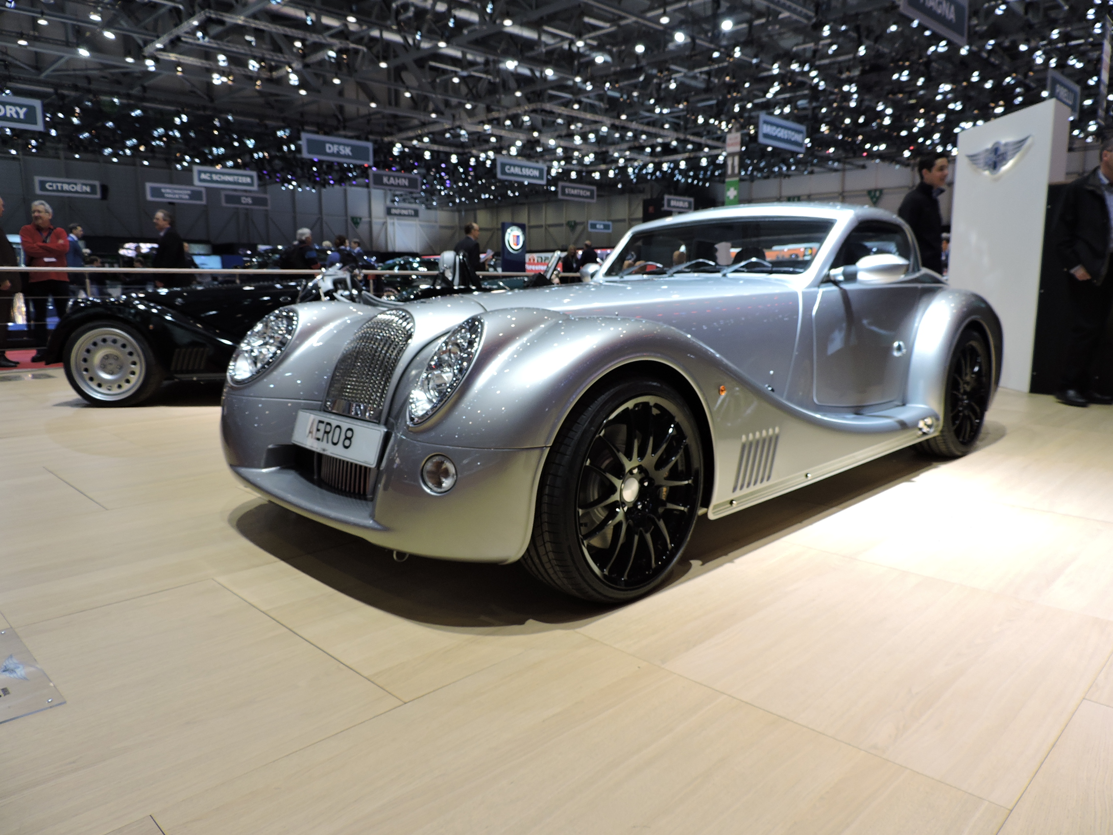 Morgan Aero 8 Looks Cruella in de Ville of Geneva ...