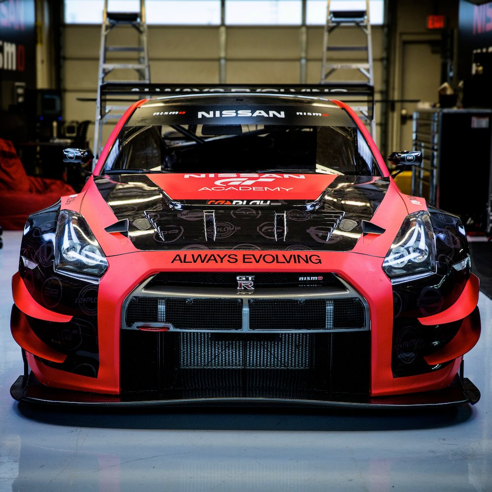 Nissan Sports Car >> Nissan GT-R to Compete in 2015 Pirelli World Challenge » AutoGuide.com News