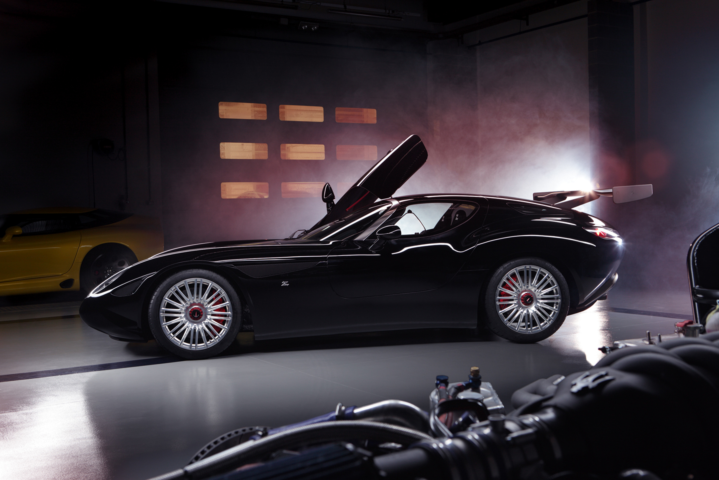 http://www.autoguide.com/blog/wp-content/gallery/zagato-maserati-mostro/zagato-maserati-mostro-01.jpg