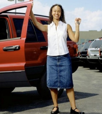 african-american-woman-new-car