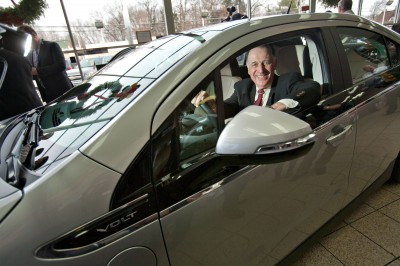 New Jersey Man Takes Delivery Of First Chevrolet Volt