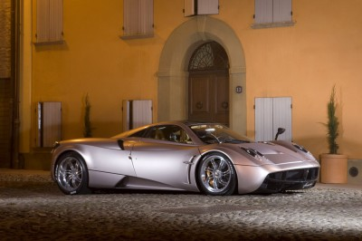 new-700hp-pagani-huayra-officially-revealed-30228_1