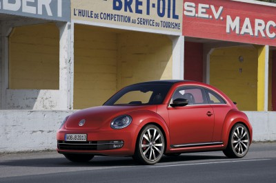 2012-Volkswagen-Beetle-in-red-exterior-1