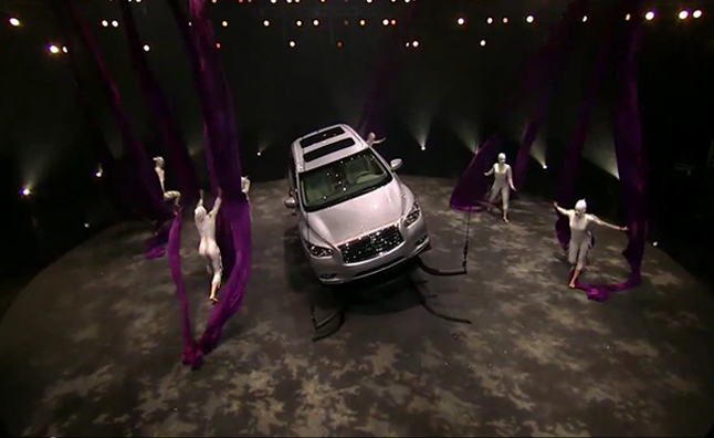 Infiniti JX and Cirque du Soleil Stream Acrobatic Performance – Video
