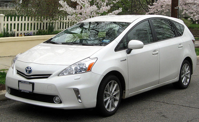 Toyota Prius V Service Campaign Launched to Correct Exhaust Issue