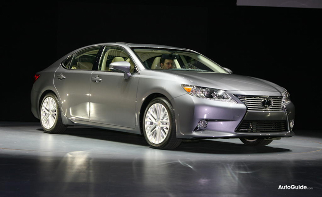 2013 Lexus ES300h First Look, Video: 2012 NY Auto Show