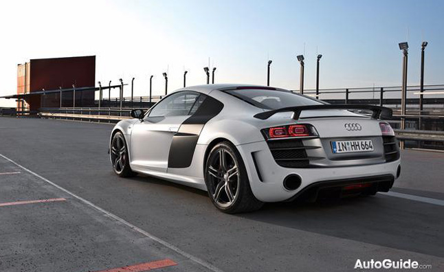 Audi R8 Drifting Video Celebrates 500,000 Facebook Fans