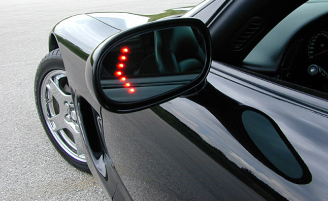 Turn Signal Neglect Causes 2 Million Crashes Annually: Study