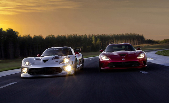 2013 SRT Viper Gets Showcased – Videos