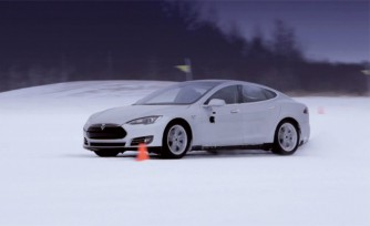 Tesla Model S Goes Cold Weather Testing  Video
