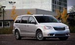 Chrysler Town & Country Recalled for Faulty Liftgate: 471 Units Affected