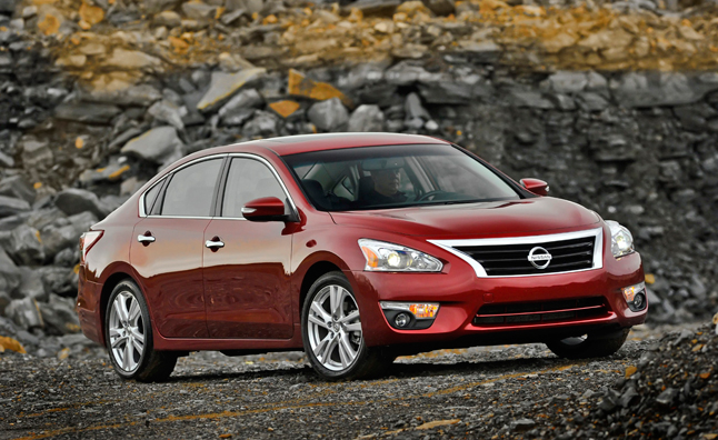 2013 Nissan Altima Photos – Mega Gallery