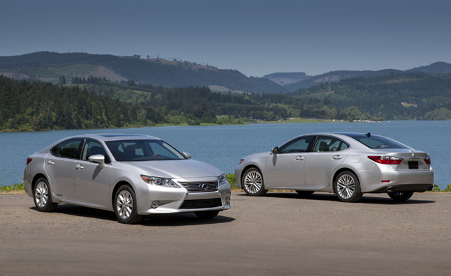 2013 Lexus ES 350, ES 300h Official Specs Released