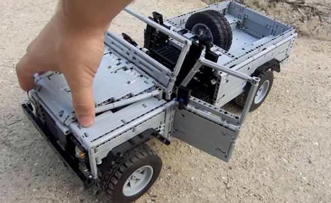 Land Rover Defender 110 Scale Lego Model is Crazy Cool