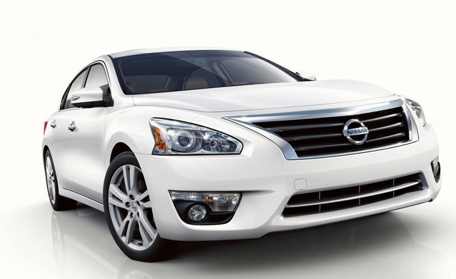 Nissan Altima Design Explained by Execs in Video