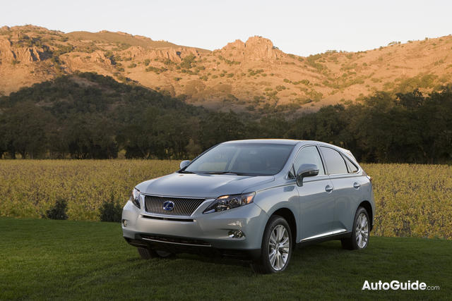 2010 Lexus RX Added to Toyota Unintended Acceleration Recall