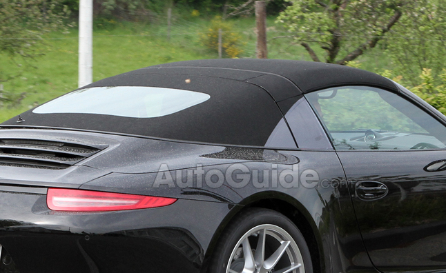 Porsche 911 Targa Spied Posing as Convertible