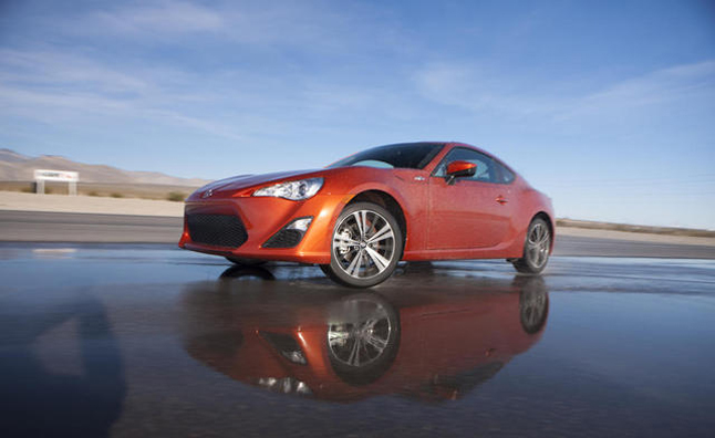Scion FR-S Finally Arrives at Dealerships