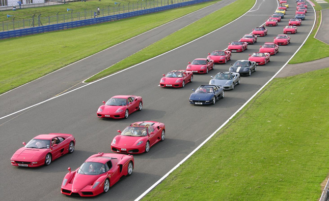 Ferrari Parade is Largest in History: 600 Cars