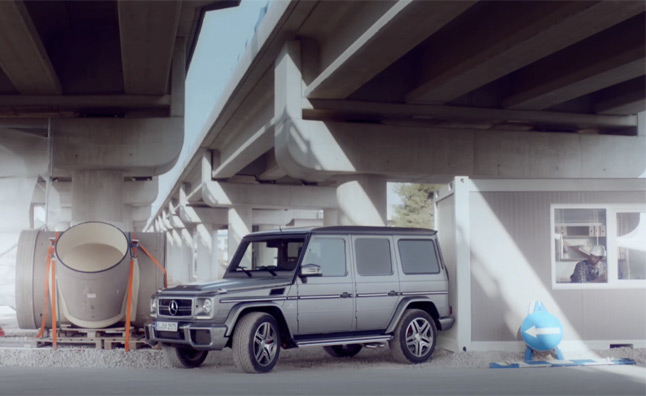 Mercedes G-Class Makes its Own Parking Spot – Video