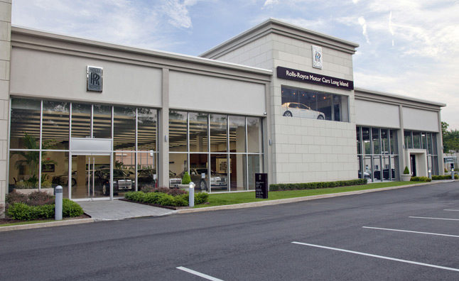 Rolls-Royce Opens its Largest Showroom in North America