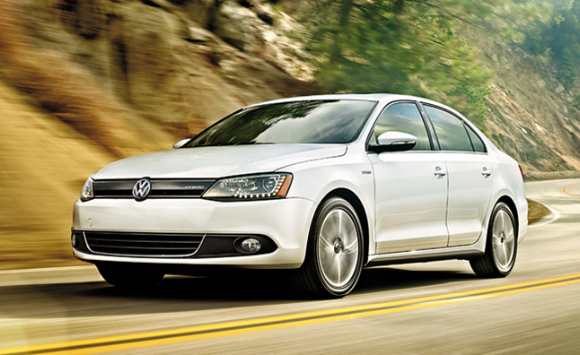 Volkswagen 2013 Lineup Detailed Including New Jetta Hybrid and Beetle Cabriolet