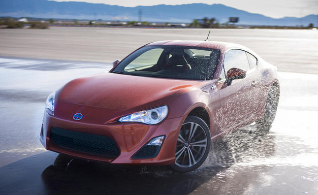 Scion FR-S Forcing Dealers to Discount Subaru BRZ