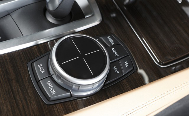 BMW Debuts New iDrive Controller