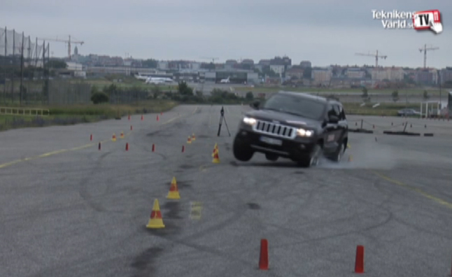 Jeep Grand Cherokee Tires Pop During Second Moose Test
