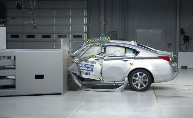 2012 Acura TL Earns 'Good' Rating in IIHS Small Overlap Barrier Test